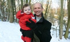Dad-&-Mia-in-snow