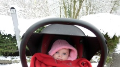 Mia-in-the-snow