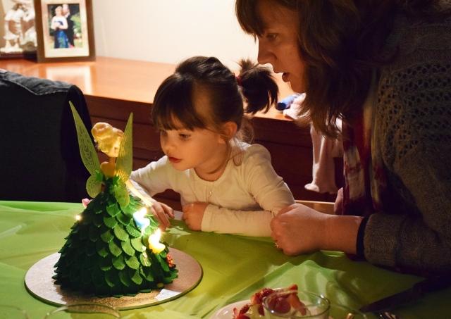 Mia-&-Tinkerbell-cake